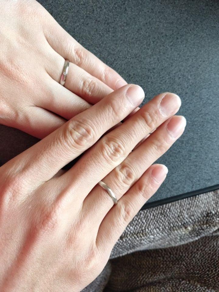 【insembre(インセンブレ)の口コミ】 婚約指輪は私の好みのものを選んだので、結婚指輪は彼の好みのものを選び…