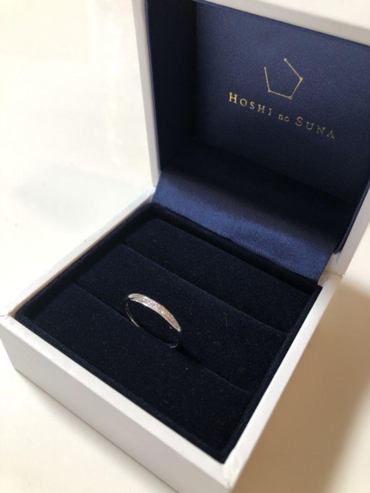 【HOSHI no SUNA 星の砂(ほしのすな)の口コミ】 シンプルな指輪を探していたところ、この指輪を見て一目惚れしました。ダ…