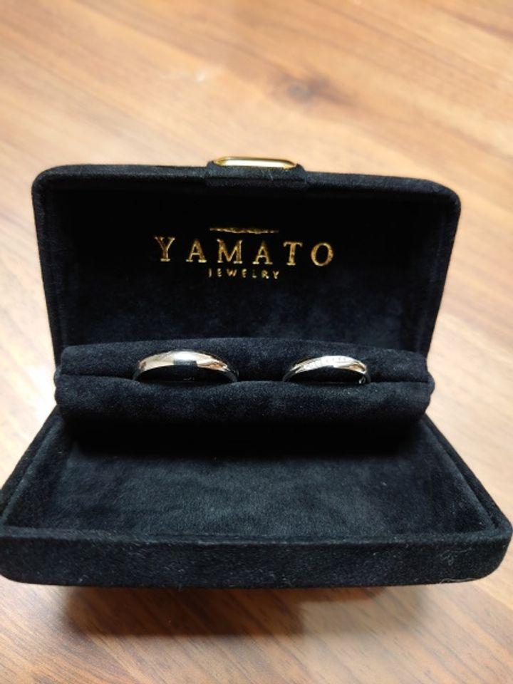 【PILOT BRIDAL(パイロットブライダル)の口コミ】 結婚指輪の買い換えで購入しました。ダイヤモンドが斜めに9粒入っており、…