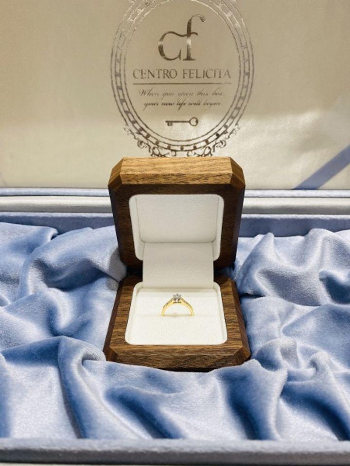 【Makana(マカナ)の口コミ】 結婚指輪と同じブランドのハワイアンジュエリーの婚約指輪をプレゼントし…