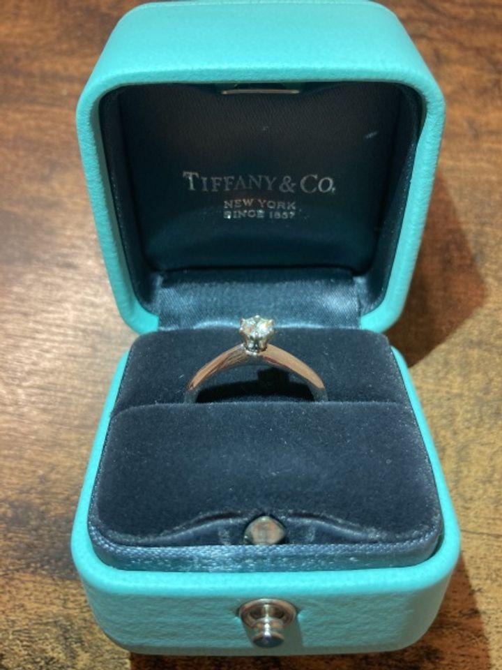 【ティファニー(Tiffany & Co.)の口コミ】 とにかく結婚指輪はティファニーが良いと思っていました。一粒ダイヤモン…