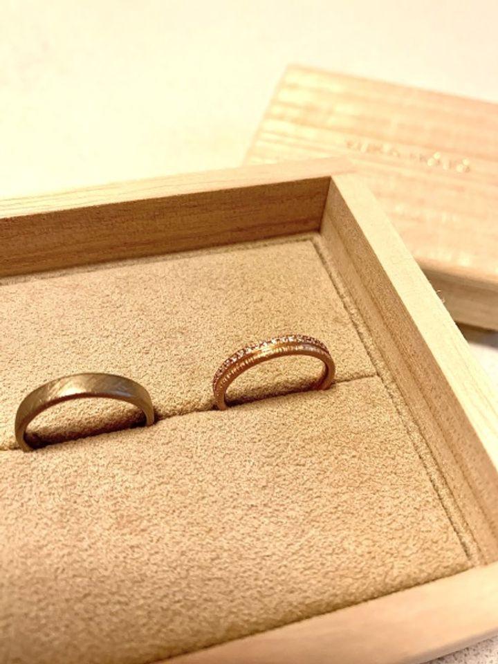 【YUKA HOJO jewelryの口コミ】 婚約指輪を購入しなかったため、結婚指輪のみの着用でも煌びやかなものを…