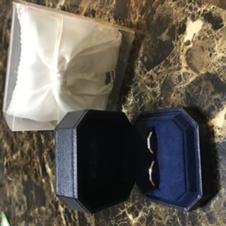 【ROYAL ASSCHER(ロイヤル・アッシャー)の口コミ】 カタログをみて、婚約指輪にひとめぼれ。 結婚指輪も一緒のブランドにする…