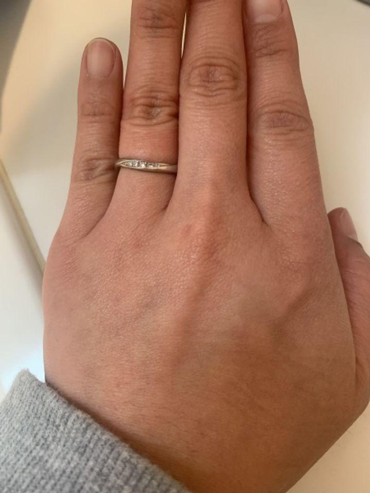【アンジェリックフォセッテ(Angelique Fossette)の口コミ】 1番の決めてのなったのは低価格なところです。 またこの指輪を選んだのは…