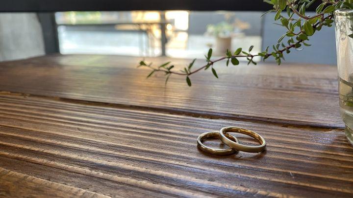 【THREE TREES(スリーツリーズ)の口コミ】 旦那さんの知り合いのおすすめでお店を知りました。 お互いの指輪を手作り…