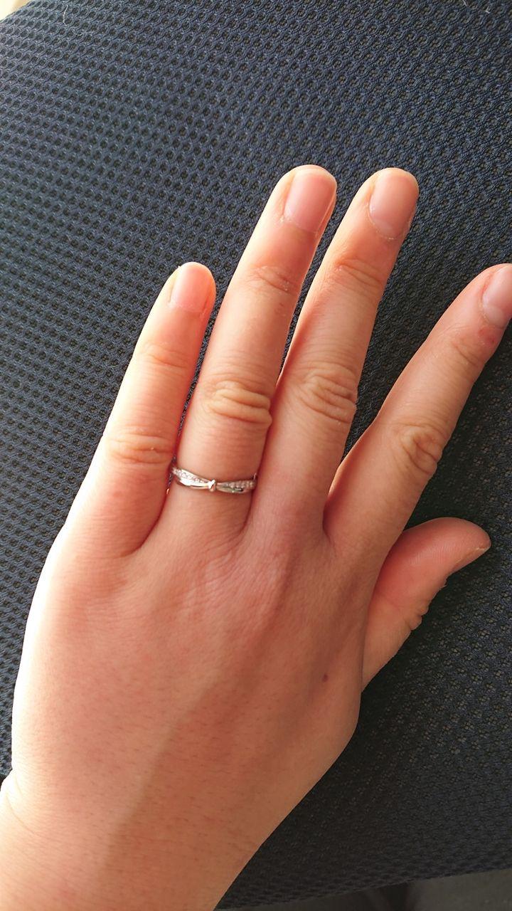【COLANY(コラニー)の口コミ】 指輪のデザインがリボンを結んだようなあまり見たことがなかったデザイン…