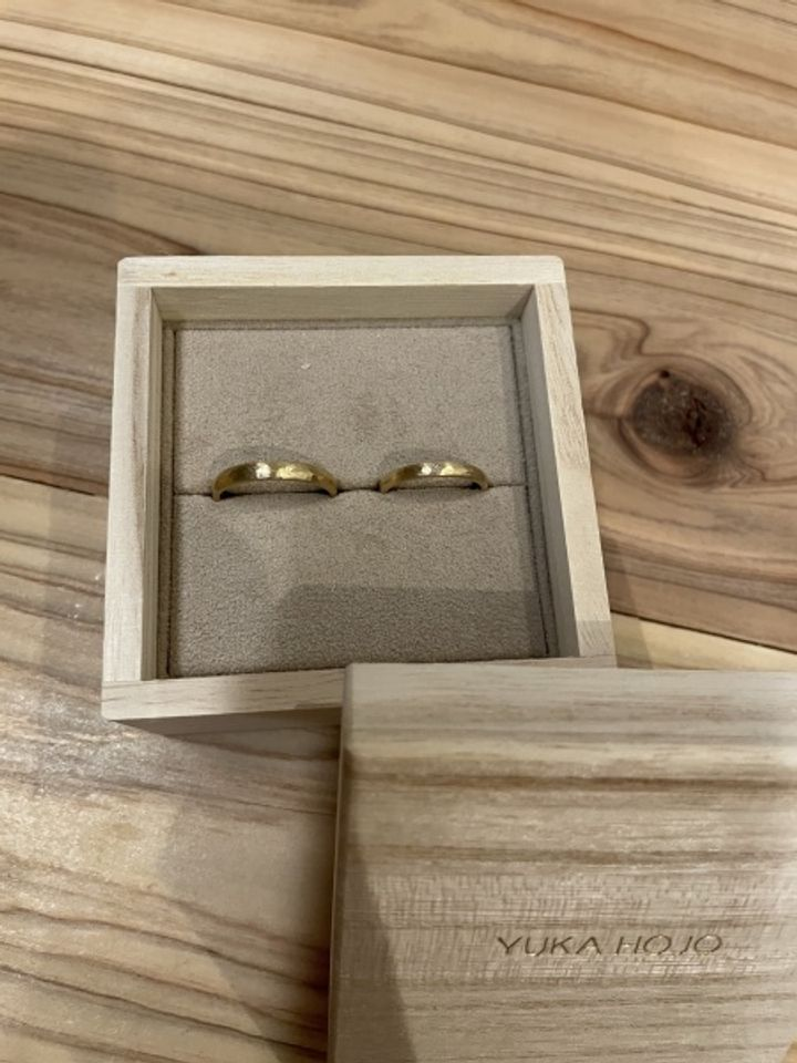 【YUKA HOJO jewelryの口コミ】 婚約指輪をYUKA HOJOのカプリをいただき、指輪に込められた思いやデザイン…