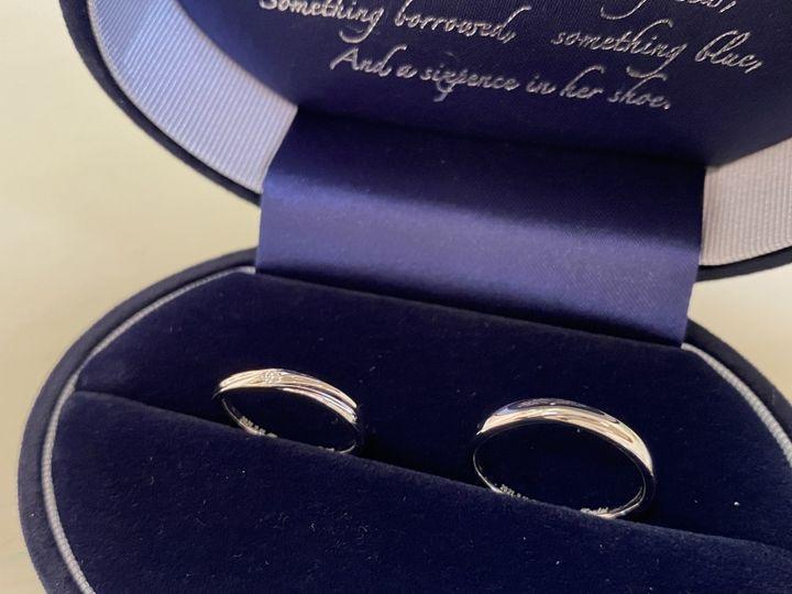 【Something Blue(サムシングブルー)の口コミ】 お店でたくさんの指輪を試着してみてとても自分達の指にしっくりきて、シ…