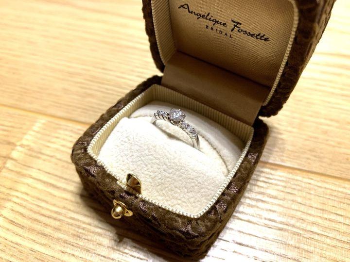 【アンジェリックフォセッテ(Angelique Fossette)の口コミ】 キラキラしたものが好きだったので、中心に大きなダイヤ、両サイドに3つず…