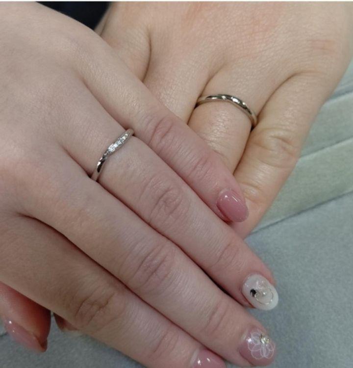【LEHAIM(レハイム)の口コミ】 指が長く見えるウェーブデザイン希望でした。合わせてメレダイヤがあるけ…