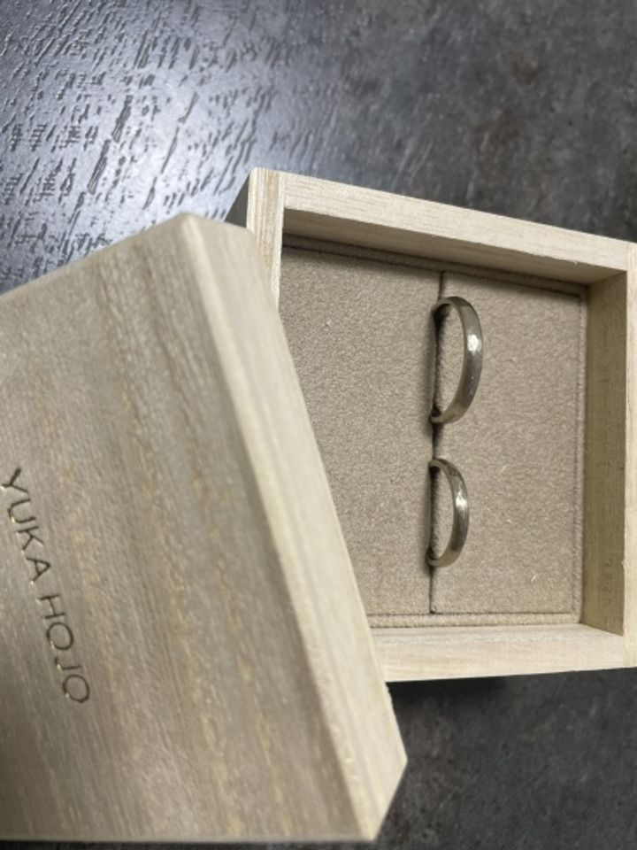 【YUKA HOJO jewelryの口コミ】 ピカッ、ツルッ、キラッという指輪ではなく、落ち着いた色味且つデザイン…