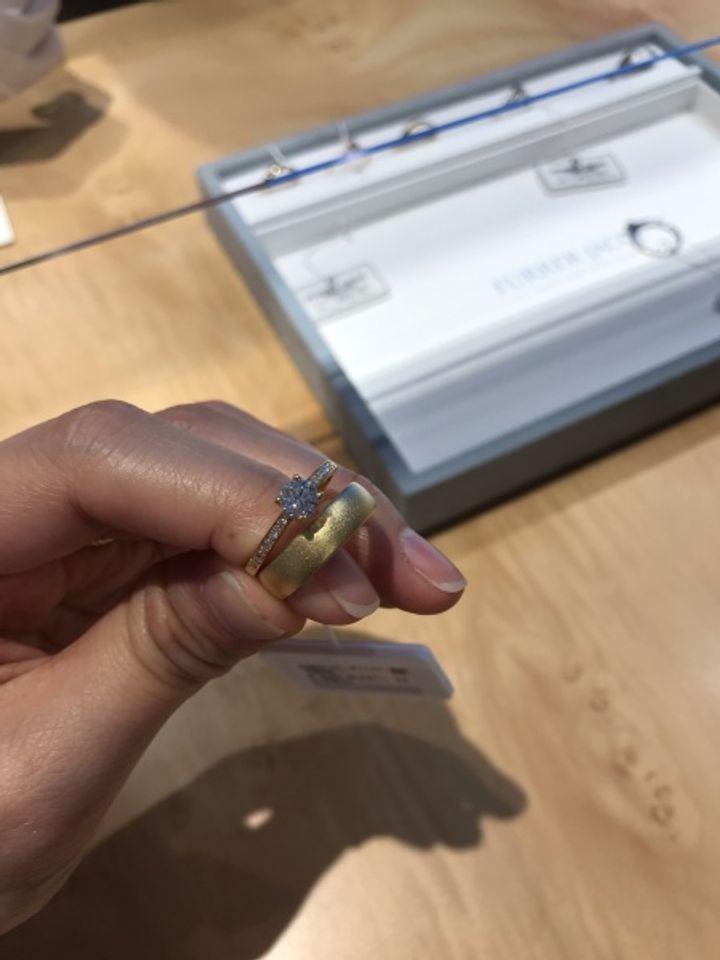 【フラー・ジャコー(FURRER-JACOT)の口コミ】 フラー・ジャコーには結婚指輪を見に行ったのですが、好みのデザインの婚…
