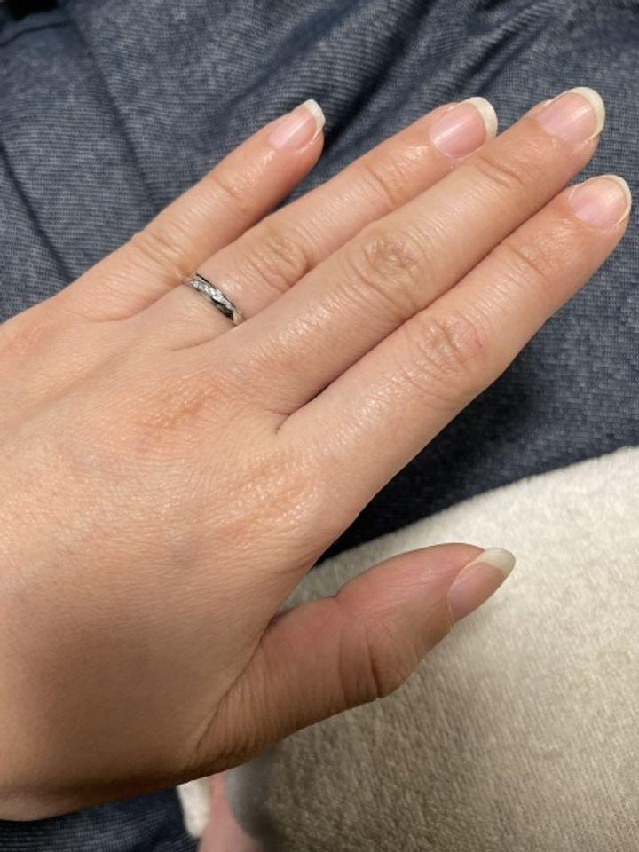 【insembre(インセンブレ)の口コミ】 デザインが可愛いです!ダイヤがななめに入っていてオシャレでキラキラし…