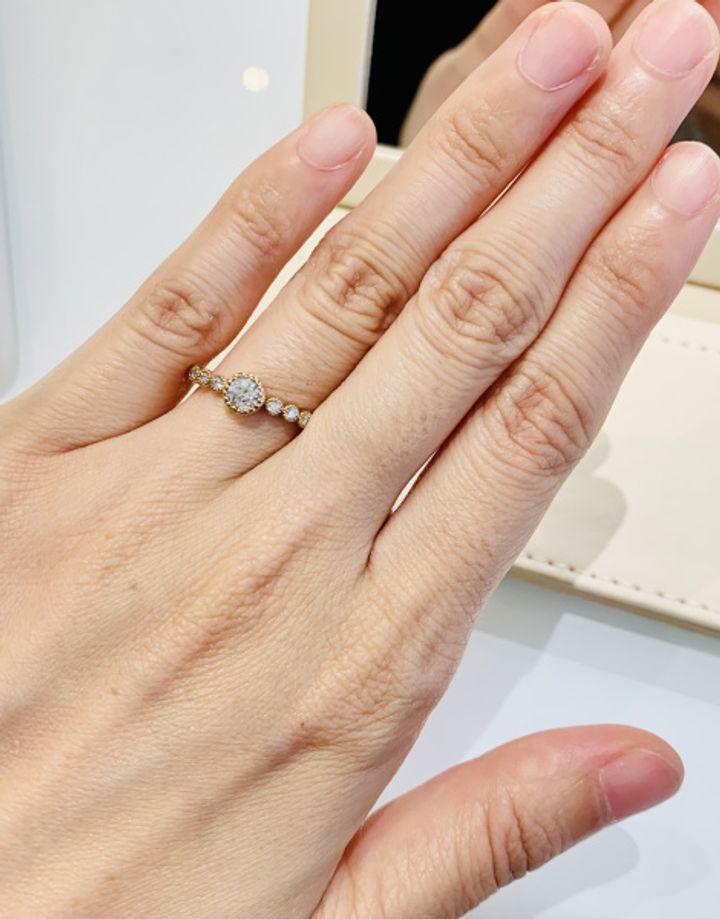 【CHER LUV(シェールラブ)の口コミ】 アンティーク調でデザイン性が高く、めちゃくちゃ可愛い指輪でした。 一般…