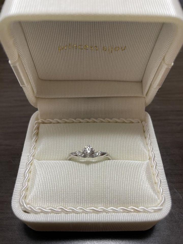 【Princess Bijou(プリンセス・ビジュー)の口コミ】 Marriage Ring(別ブランド)と重ねて着けたかったので、いろいろ試着され…
