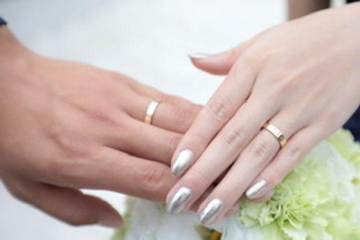 【カルティエ(Cartier)の口コミ】 絶対に譲れない条件が私も主人もゴールドであることでした。 周りに結婚し…