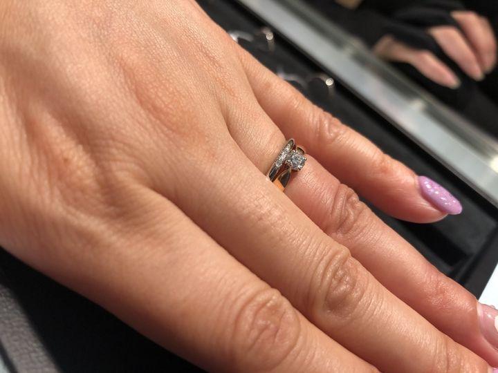 【ティファニー(Tiffany & Co.)の口コミ】 石の台に向けて絞られていくデザインがリボンみたいで可愛い! ダイヤも存…