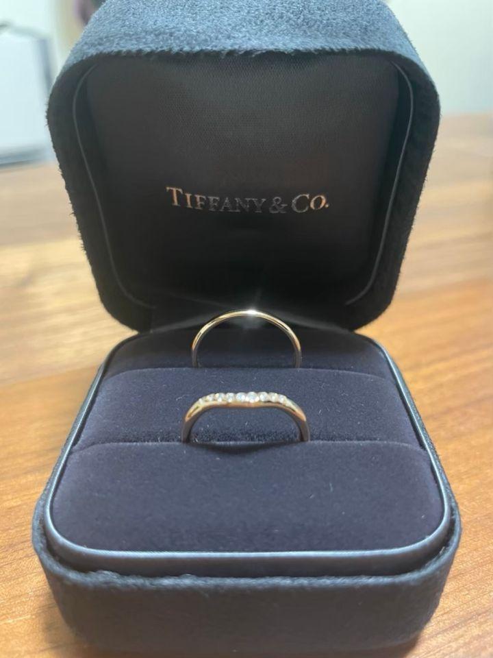 【ティファニー(Tiffany & Co.)の口コミ】 他店舗をたくさん回った後で最後に試着に行きました。シンプル過ぎるかも…
