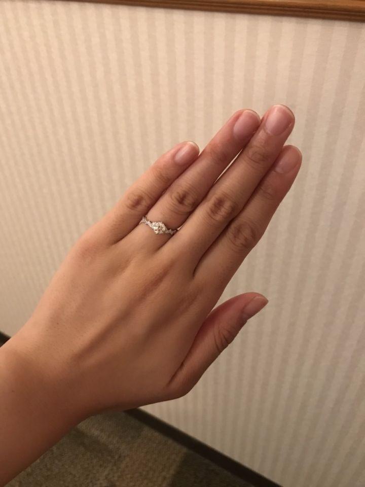 【COCKTAIL(カクテル)の口コミ】 ダイヤが多くて、かわいらしいけれどもエレガントなデザインがとてもすて…