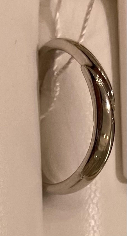 【EYE JEWELRY UMAKI(アイジュエリー ウマキ)の口コミ】 シンプルなデザインの指輪です。価格は良心的です。毎日身につけていても…