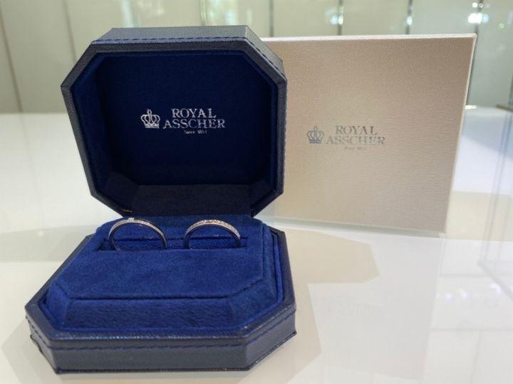 【ROYAL ASSCHER(ロイヤル・アッシャー)の口コミ】 シンプルな指輪を探していたのですが、この指輪を試着してダイヤモンドの…