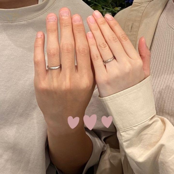 【YUKA HOJO jewelryの口コミ】 色合いとデザインが気に入りYUKAHOJOの指輪を選びました。彼はシルバーで…
