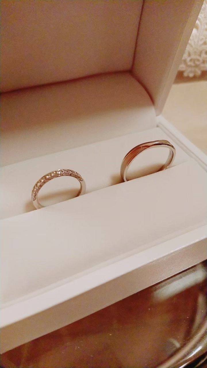 【ギンザタナカブライダル(GINZA TANAKA BRIDAL)の口コミ】 指輪の三面にダイヤが付いているので、どの角度から見てもキラキラ輝いて…