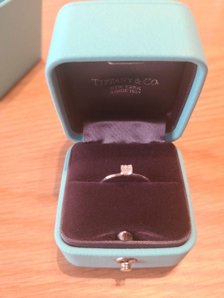 【ティファニー(Tiffany & Co.)の口コミ】 結婚指輪をTiffany & Co.のものに決めたので、婚約指輪もTiffany &…