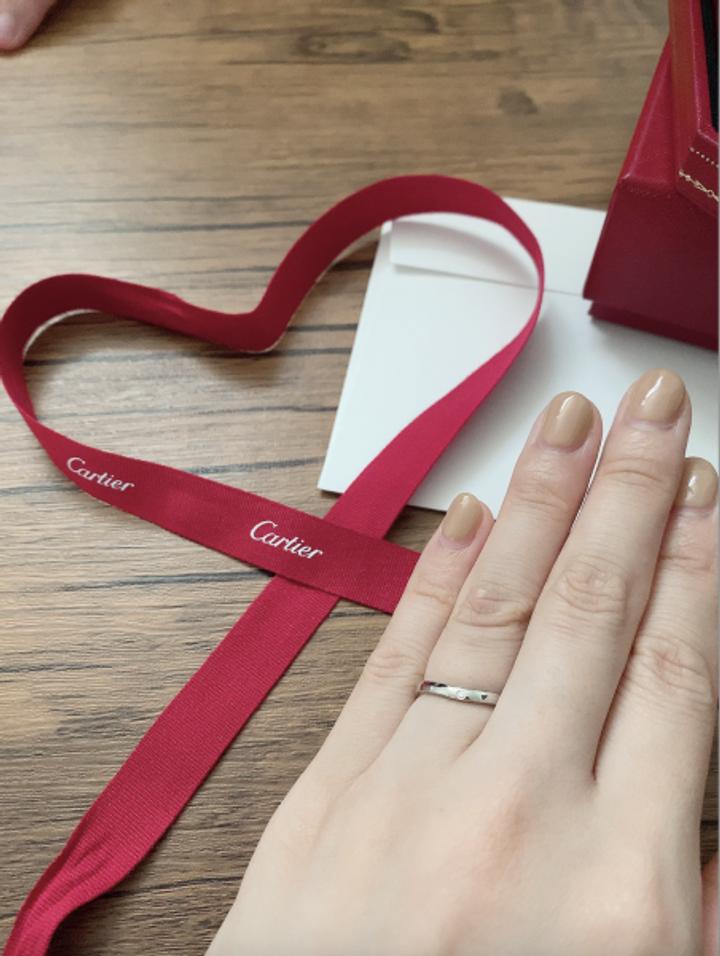 【カルティエ(Cartier)の口コミ】 カルティエは昔から憧れで、一生つける結婚指輪はやっぱりCartierがいいな…