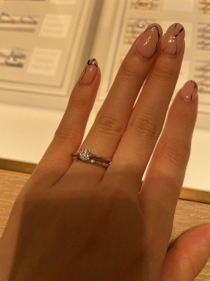 【ティファニー(Tiffany & Co.)の口コミ】 指が細いため、アームが細いリングを探していました。他ブランドと比較し…