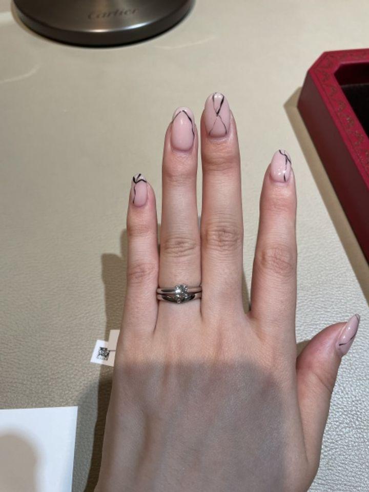 【カルティエ(Cartier)の口コミ】 昔から色褪せないデザイン。王道のデザインで人を選びません。ダイヤの輝…