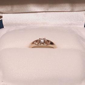 【1/f エフブンノイチの口コミ】 結婚が決まってから彼と一緒に選びに行きました。  結婚後も付けたかった…