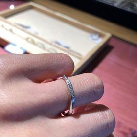 【ith(イズ)の口コミ】 婚約指輪でダイヤが大きくなく、結婚指輪と重ね付けできるようなタイプを…