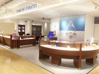 銀座ダイヤモンドシライシ 横浜モアーズ店