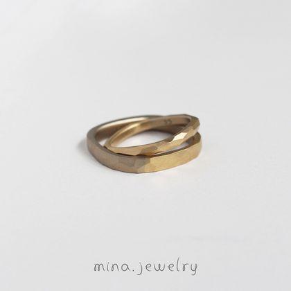 【mina.jewelry(ミナジュエリー)】はっきりとしたデザインのマリッジリング