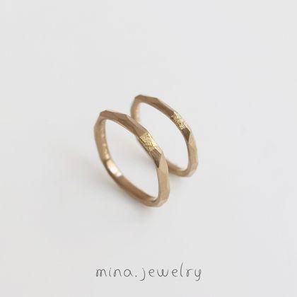 【mina.jewelry(ミナジュエリー)】少しのアクセントが輝くマリッジリング