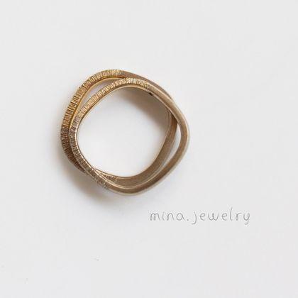【mina.jewelry(ミナジュエリー)】仕上げの違いを楽しむマルシカクのマリッジリング