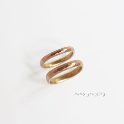 【mina.jewelry(ミナジュエリー)】2つの色をその日の気分で選べるマリッジリング
