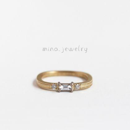 【mina.jewelry(ミナジュエリー)】バケットカットのエンゲージリング