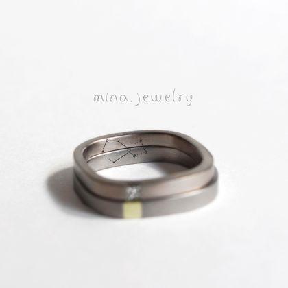 【mina.jewelry(ミナジュエリー)】星座の刻まれたマリッジリング