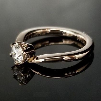 【TANZO(タンゾウ)】コーラルゴールドのご婚約指輪