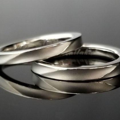 【TANZO(タンゾウ)】職人が丁寧に仕上げをさせて頂いた鍛造結婚指輪
