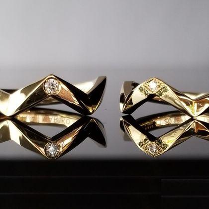 【TANZO(タンゾウ)】王冠と聖杯をモチーフにしたオリジナルデザインの結婚指輪