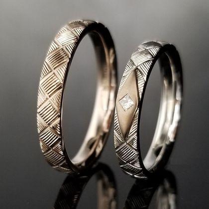 【TANZO(タンゾウ)】暖かみのある桜色の結婚指輪