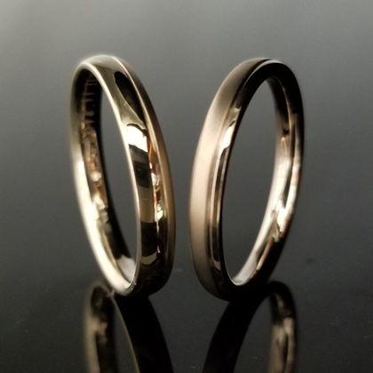 【TANZO(タンゾウ)】つや消しと鏡面でデザインを楽しめる結婚指輪