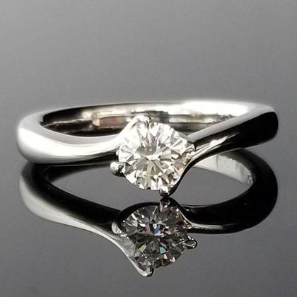 【TANZO(タンゾウ)】職人の技が光るオーダーメイド婚約指輪