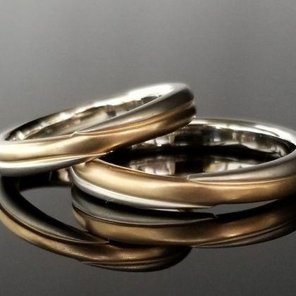 【TANZO(タンゾウ)】クロスデザインはお二人だけの特別な結婚指輪