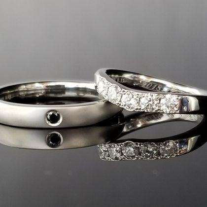 【TANZO(タンゾウ)】面取りで統一感のある結婚指輪