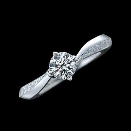 【エクセルコダイヤモンド(EXELCO DIAMOND)】《Like a noble rose~ライク ア ノーブル ローズ~》