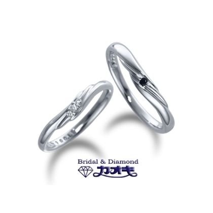 【カオキ ダイヤモンド専門卸直営店】波の様に重なったラインが印象的に煌めく【スズラン】~純愛・幸福の訪れ~